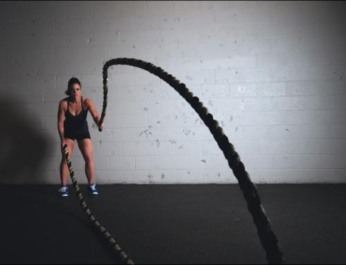 12 effektive Übungen mit einem Battle Rope – Schmiede Dich