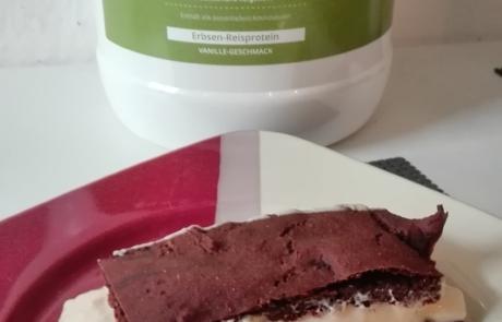 Vegane Proteinschnitten von Natural Energizer mit Eiweißpulver von Nutri Plus.