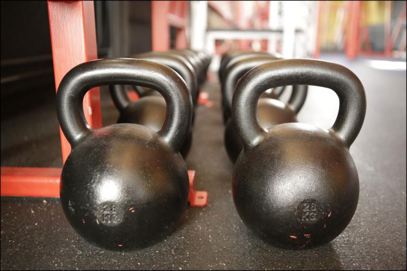 16 klassische Fitnessübungen mit Kettlebells