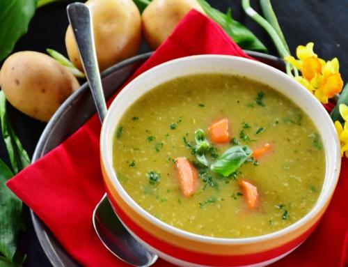 Gesunde Kartoffel-Möhren-Romanesco-Suppe