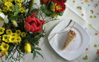 Einfacher veganer Apfelkuchen mit Streuseln - Natural Energizer